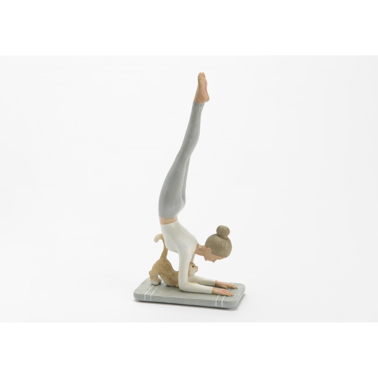 Статуэтка AMADEUS девушка йога с котом высота 25 см Франция